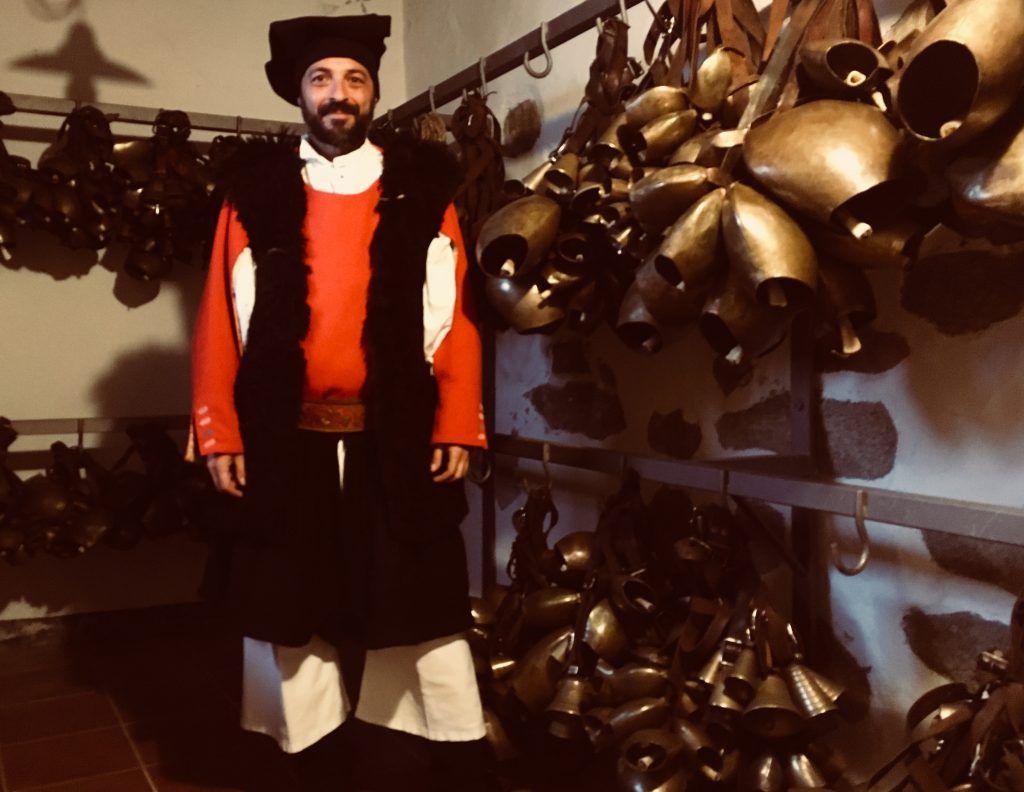 4/377: Mamoiada - costume tradizionale